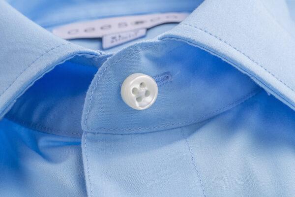 Lichtblauw overhemd