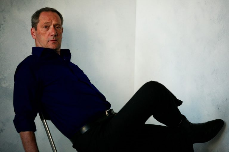 Gijs met donkerblauw overhemd aan Ceesnco